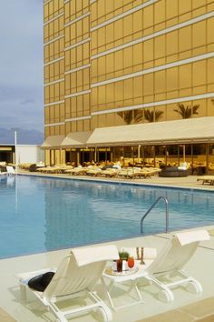 Trump Hotel Las Vegas - such an awesome hotel. Loved staying there! Las Vegas Restaurants, Las Vegas Hotels, Las Vegas Nevada, Trump Hotel Las Vegas, Vegas Hotel Rooms, Hotels And Resorts, Best Hotels, Best Pools In Vegas, Live