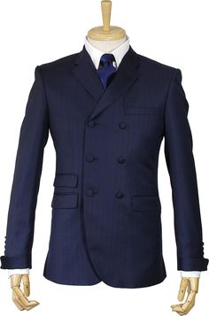 If you are tall and slim a well-fitted double-breasted suit will look fabulous. Mods Style, Mod Clothing, Mod Suits, Tailor Made Suits, Paul Weller, Frock Coat, Party Suits, Black Leather Dresses, Expensive Clothes