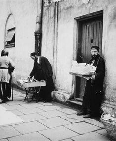 Vishniac, Roman  American (b. Russia, 1897-1990)    PUBLISHED TITLE: Street Vendors, Warsaw