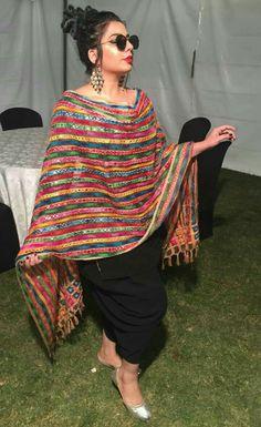 17 Ideas Knitting Dress Outfit Classy For 2019 Punjabi Fashion, Indian Fashion Dresses, Dress Indian Style, Indian Outfits, Fashion Outfits, Patiala Suit Designs, Kurta Designs Women, Kurti Designs Party Wear, Blouse Designs