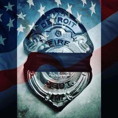 Yesterday the Detroit Fire Department Lost a member. As I've said before @555fitness is a family and we mourn the loss of all emergency service members. However this is much closer to home as @dfdzig555 is a our friend and brother. As a family we will stand beside him and his department. As an organization we will continue to honor those who have passed and motivate inspire and help providers worldwide #555fitness #dfd #restinpeace #lodd #honoralways #trl #trainharddowork