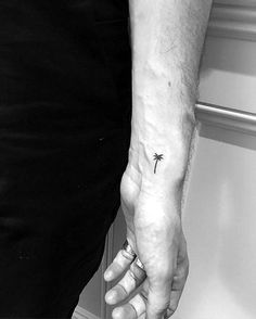 simple-tattoos-with-sophisticated-meaning-17