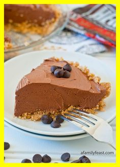 No-Bake Chocolate Cheesecake Pie - a quick and delicious dessert made with Hersheys Chocolate Chips! christmas make,no bake desserts Hershey's Chocolate Chips, No Bake Chocolate Desserts, No Bake Chocolate Cheesecake, Raw Cheesecake, Baked Cheesecake Recipe, No Bake Desserts, Easy Desserts, Delicious Desserts, Dessert Recipes