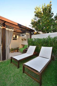 Navegue por fotos de Jardins Rústico: . Veja fotos com as melhores ideias e inspirações para criar uma casa perfeita.