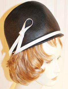 Ladies Vintage 50's Black Straw Pillbox Hat with White Patent Bow SZ S