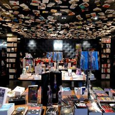 Cook & Book is not only one restaurant and bookshop. It is in fact, nine bookshops and restaurants under two roofs.