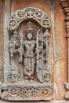 Aralaguppe – Preserves The Best Specimen of Sculptural Art – Indian History and Architecture Ancient Buildings, Ancient Architecture, Asian Sculptures, Indian Art, Temples, Preserves, Sculpture Art, Statues, Hands