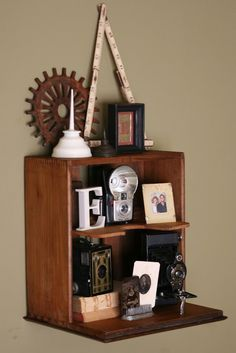 DIY home decor - shelves made from drawers! Nice two DIY tutorials and 32 ideas for how to decorate your home with old drawers from old furniture, which you hight wanted to get rid of Vintage Drawers, Old Drawers, Dresser Drawers, Wooden Drawers, Vintage Doors, Antique Doors, Repurposed Furniture, Diy Furniture, Furniture Plans