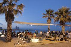 Das Design-Hotel W Barcelona beherbergt seit einiger Zeit eine neue In-Location: Direkt am Strand gelegen, mit Blick auf das Meer und die Skyline der Stadt lädt das Restaurant SALT zum Essen, Trinken, Feiern und Genießen ein.