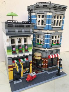 """LEGO MOC TIME – """"BRICKTOWN TAKEOUT""""     All About The Brick"""