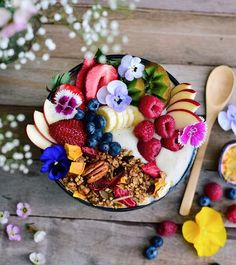 PEOPLE-PLACES-THINGS-ETC — vegan-recipes-only:   Superfood Granola
