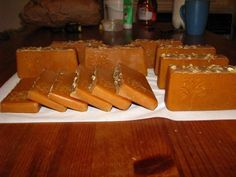 Cube, Projects To Try, Natural Soaps, Cosmetics, Homemade, Honey, Home Made, Hand Made
