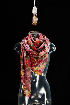 Danseur Noble - lovely scarf
