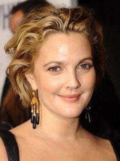 Drew Barrymore Messy Curled Bob Short Prom Hairstyles 2017