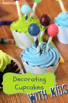 Decorating Cupcakes with Kids | Tips on inkatrinaskitchen.com
