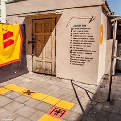 Takie inicjatywy to ja lubię! Jedno z poznańskich podwórek zmienia się dzięki Festiwalowi Outer Spaces w niezwykłą grę! #poznan #mural