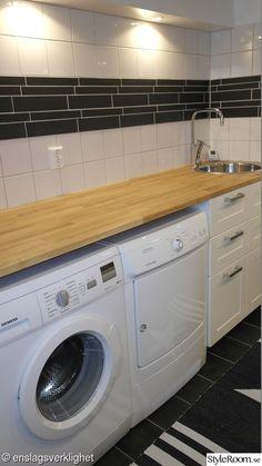 Tvättstuga med spakänsla. Före- & efterbilder! - Hemma hos Enslagsverklighet Washing Machine, Laundry, Home Appliances, Decor, Urban, Velvet, Pictures, Laundry Room, House Appliances