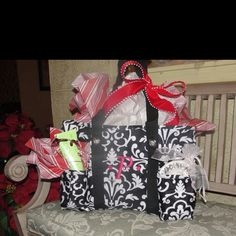Organizing Utility Tote used as a gift bag!     www.mythirtyone.c...