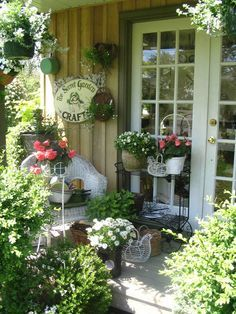 french country potting shed decor | Shabby Chic Outdoor Ideas | designs hen chick shabby chic heavy metal ...