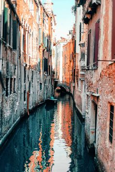Venice: How To Enjoy It Without Destroying It – Best Europe Destinations Travel Jobs, Ways To Travel, Places To Travel, Places To See, Travel Destinations, Travel Hacks, Budget Travel, China Travel, Italy Travel