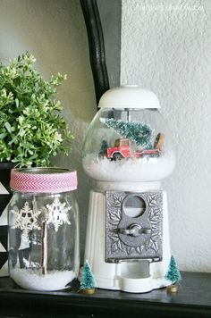 Vintage Inspired Gumball Machine Snowglobe