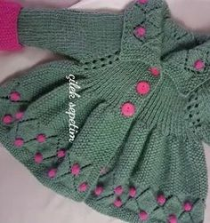 ~ ♥♥ ~ Let's come closer to those who want picture ♥ ~~~~~~~~~~ FRIENDS RE . Knitted Baby Cardigan, Baby Pullover, Crochet Baby Booties, Knit Crochet, Baby Girl Patterns, Baby Knitting Patterns, Crochet Clothes, Diy Clothes, Baby Christening Dress