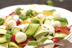 courgette walnoot salade
