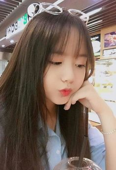 Beautiful girls and Sexy Babes!hot women Share the beauty and love. Style Ulzzang, Ulzzang Korean Girl, Cute Korean Girl, Cute Asian Girls, Beautiful Asian Girls, Cute Girls, Ullzang Girls, Hot Teens, Kawaii Girl