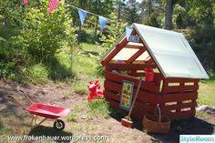 Kiosk för barnen - byggd av lastpallar