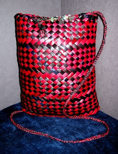 Red & black dyed harakeke, flax, large over the shoulder backpack woven, beautiful piece done by Kristal Warbrick & Selena Shaw from Forever Flax Flax Weaving, Basket Weaving, Maori Designs, Shoulder Backpack, Back To Black, Kite, Red Black, Selena, Baskets
