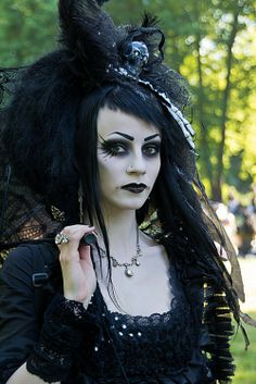 witchy... Awesome makeup and costume