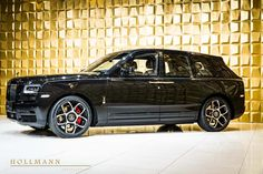 Rolls-Royce Cullinan Black Badge - Luxury Pulse Cars - Germany - For sale on LuxuryPulse. Rolls Royce Black, New Rolls Royce, Vintage Rolls Royce, Rolls Royce Cars, Classic Cars British, Old Classic Cars, Used Luxury Cars, Luxury Suv, Rolls Royce Cullinan