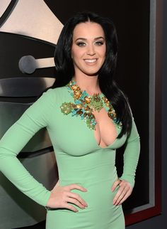 Katy Perry at the Grammys 2013 Katy Perry Grammy, Katy Perry Hot, Grammys 2013, Katy Perry Pictures, Actrices Sexy, Russell Brand, Tight Dresses, Dresses With Sleeves, Beautiful Celebrities