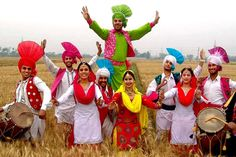Punjab is a state in the north of india and state near Punjab are delhi, rajisthan, haryana and Himachal pradesh.People who live in P. Samba, Baisakhi Festival, Punjab Culture, Bhangra Dance, Punjabi Boys, Guru Gobind Singh, States Of India, Ethnic Looks, Historical Monuments