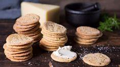 Saltekjeks til god ost. Homemade Gifts, Matcha, Finger Foods, Feta, Tin, Salt, Dairy, Nutrition, Lunch