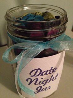 : Dating Your Husband (or Wife) - Date night jar ideas. Loving these date ideas and date jar ideas! :) especially when you can't decide on just one. Boyfriend Anniversary Gifts, Diy Gifts For Boyfriend, Birthday Gifts For Boyfriend, Dates In A Jar, Date Night Jar, Easy Date, Money Games, Birthday For Him, Valentines Day Gifts For Him