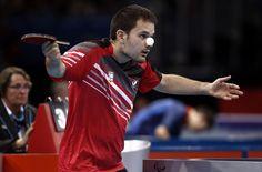 El español Jordi Morales durante su partido de semifinales por equipos de tenis…