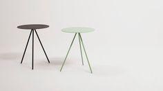 Petite table pour aller avec le siège (qu'on a pas encore trouvé!) les 2 couleurs sont bien. 129$ Table de bout Taaj | EQ3 Modern Furniture