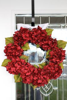 I wouldn't have thought to use hydrangeas at Christmas but this is really festive and looks pretty simple to make.