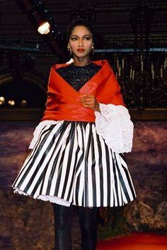 * Christian Lacroix, haute-couture, automne-hiver 1987 © Guy Marineau