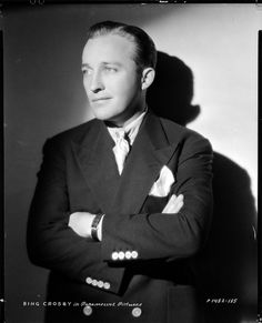 Bing Crosby, singer, actor, so talented.Won an Oscar for best actor for the Hollywood Men, Old Hollywood Stars, Hollywood Icons, Golden Age Of Hollywood, Vintage Hollywood, Classic Hollywood, Bing Crosby, Cinema, Classic Movie Stars