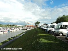 VENLO Jachthaven WSV de maas Venlo - Jachthavenweg 50 Venlo - Havenmeester: +31 (0)6 46 00 56 66