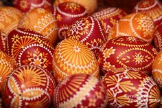 Love the colors and patterns of these Easter eggs.  Found here: http://blog.synnatschke.de/europe/germany/sorbische-ostereier/