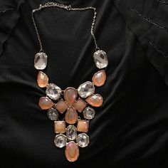 BKE Statement Necklace Beautiful statement necklace from Buckle BKE Jewelry Necklaces