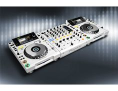 Limited Edition - 500 Sets Worldwide - Pioneer White Package (2 x CDJ2000W, 1 x DJM900W w/ Case) $6399