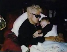 this is the cutest picture of billy idol...ever!
