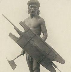 Igorot Warrior Headhunters of the Philippine Cordilleras Filipino Art, Filipino Tribal, Filipino Culture, Filipino Tattoos, Vietnam, We Are The World, People Of The World, Costume Ethnique, Philippines Culture