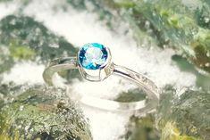 """Inel fabricat manual, din argint, cu topaz albastru, nuanta """"London Blue"""" Blue Bloods, London Blue, Topaz, Manual, Silver Rings, Jewelry, Design, Author, Jewlery"""