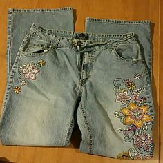 Beautifully Embroidered Angels Jeanswear jeans Size 18W. Super comfortable jeans. Gorgeous and fun embroidery on both sides. Angels Jeanswear  Jeans Boot Cut