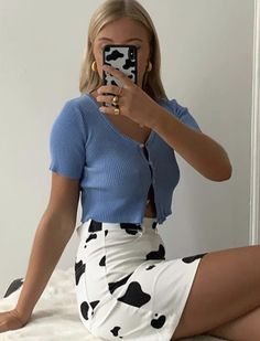 Source by outfits for summer Fashion Week, Fashion 2020, Look Fashion, 90s Fashion, Mode Outfits, Trendy Outfits, Fashion Outfits, Fashion Clothes, Fashion Ideas